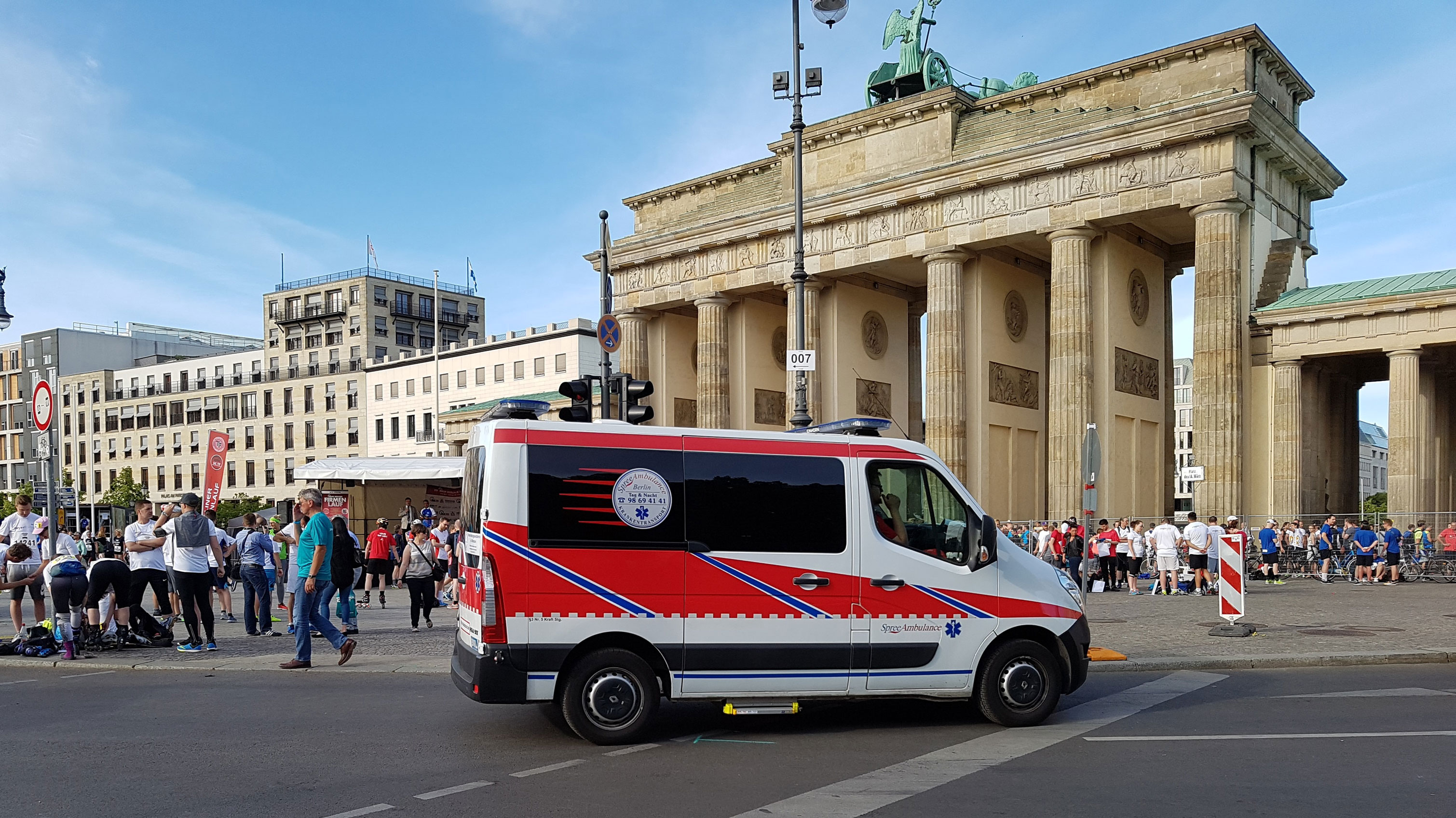 Brandenburger Tor Spree Ambulance - Case Study Spree Ambulance